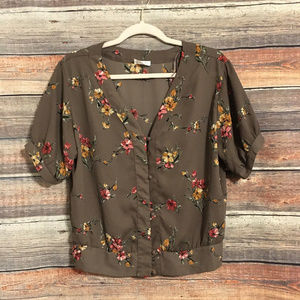 Nordstrom Sienna sky floral button down blouse
